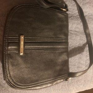 Nine West black leather bag w/adjustable strap.